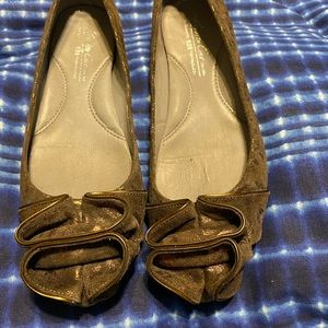 Kenneth Cole brown flats size 6 1/2